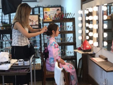 Match Your Kimono Looks With Our Hairdo Service!